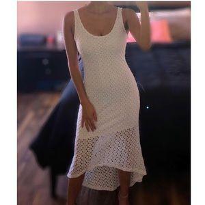 Dresses & Skirts - White flowy Dress